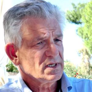 Hans G Schrauder varnar för att motståndet mot homeopati är organiserat, och kan bevisa att det betalas av läkemedelsindustrin.